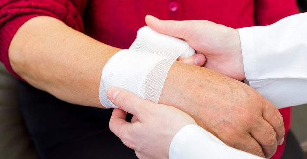 Better Management of Rx Meds Could Prevent Fractures in Older Adults