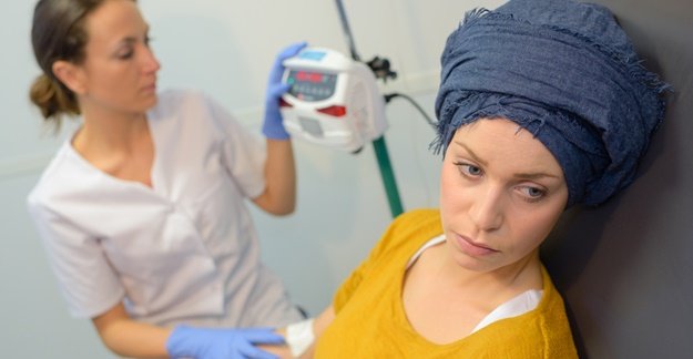 Chemo Side Effects More Prevalent in Women Than Men