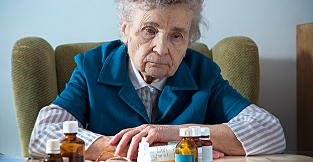 Antidepressants May Increase Hip Fracture Risk in Older Adults