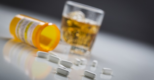 Drinking and Drugs: How Alcohol Can Mess With Your Meds