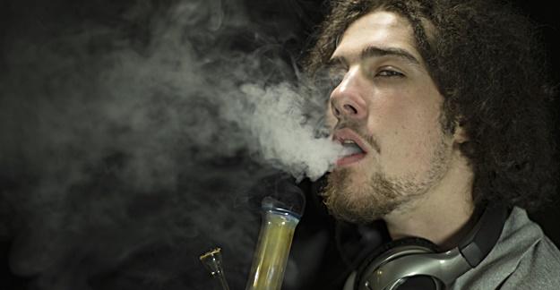 Heavy Marijuana Use Linked to Weaker Bones, Lower Body Weight