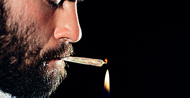 Regular Marijuana Use May Damage Eyesight