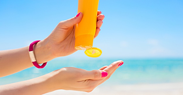 Pressure Building on FDA For More Rigorous Sunscreen Testing
