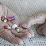 For Elderly, Multiple Meds After Heart Attack Come at a Cost